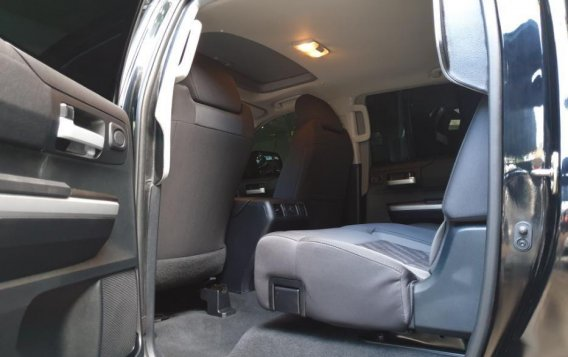 Selling Toyota Tundra 2019 in Quezon City-4