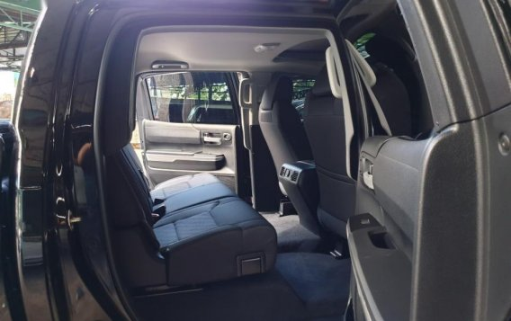 Selling Toyota Tundra 2019 in Quezon City-5