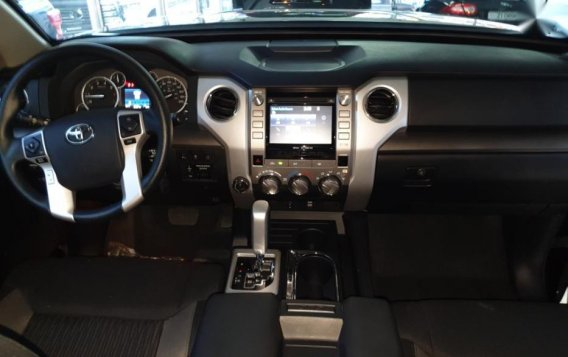 Selling Toyota Tundra 2019 in Quezon City-6