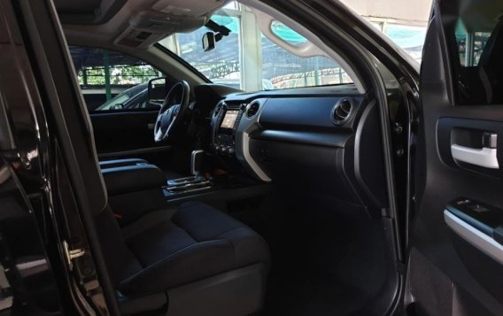 Selling Toyota Tundra 2019 in Quezon City-7