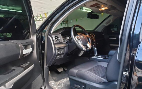 Selling Toyota Tundra 2019 in Quezon City-3