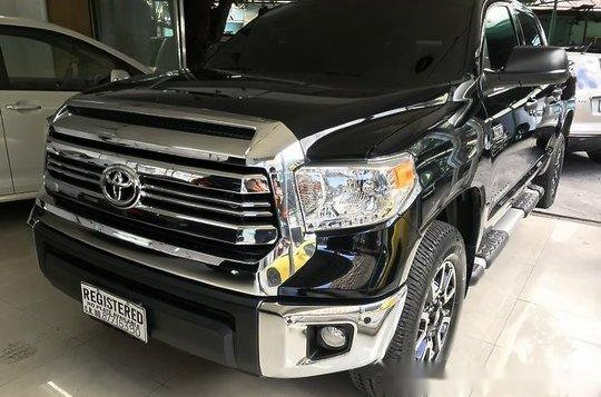 Selling Black Toyota Tundra 2019 in Quezon City -1