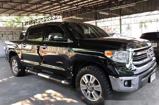 Selling Black Toyota Tundra 2019 in Manila