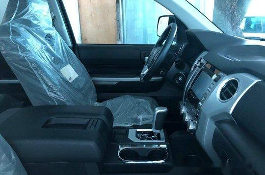 Selling Black Toyota Tundra 2019 in Manila-7