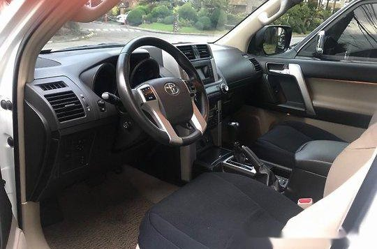 Selling White Toyota Land Cruiser Prado 2012 Automatic Gasoline at 58000 km-4