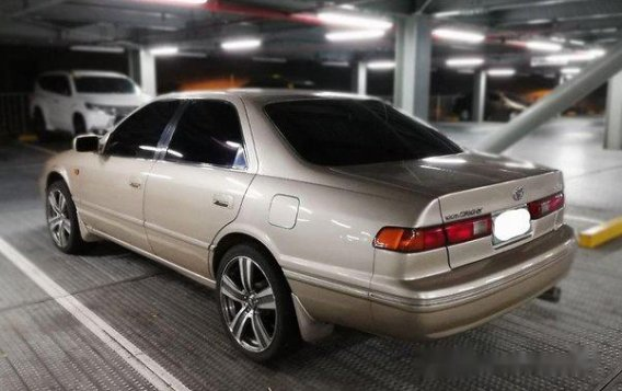 Selling Beige Toyota Camry 2000 Automatic Gasoline -3
