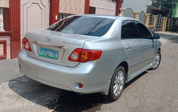 Silver Toyota Corolla Altis 2009 Automatic Gasoline for sale -2