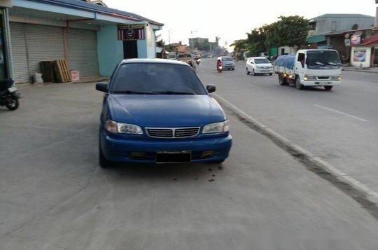 Selling Blue Toyota Corolla 2000 Manual Gasoline at 100000 km