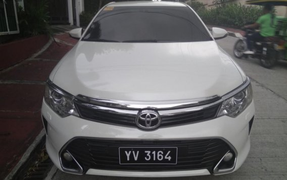Pearl White Toyota Camry 2016 for sale in Manila-3