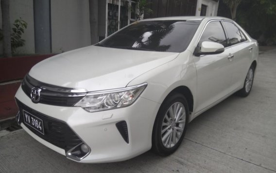 Pearl White Toyota Camry 2016 for sale in Manila-2