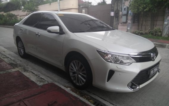 Pearl White Toyota Camry 2016 for sale in Manila-4