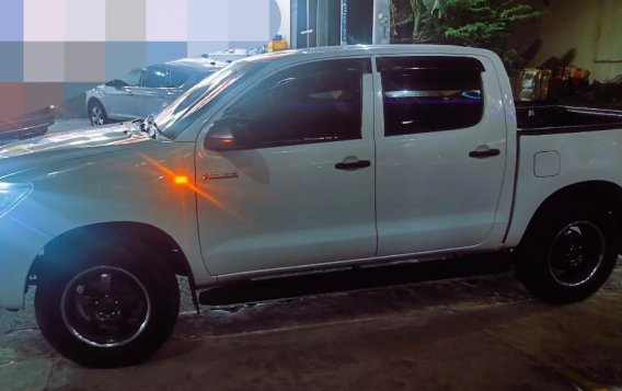Toyota Hilux 2014 for sale in Quezon City-7