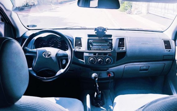 Toyota Hilux 2014 for sale in Quezon City-5