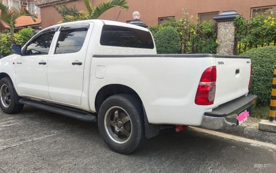 Toyota Hilux 2014 for sale in Quezon City-3