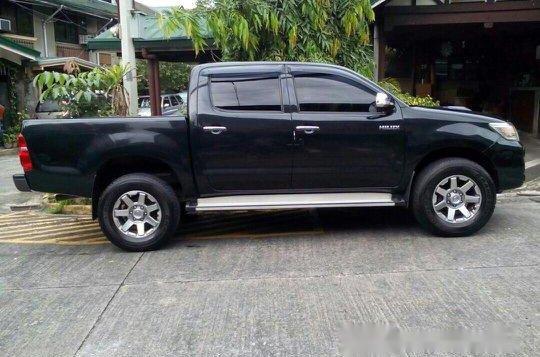 Black Toyota Hilux 2014 for sale in Quezon City -3