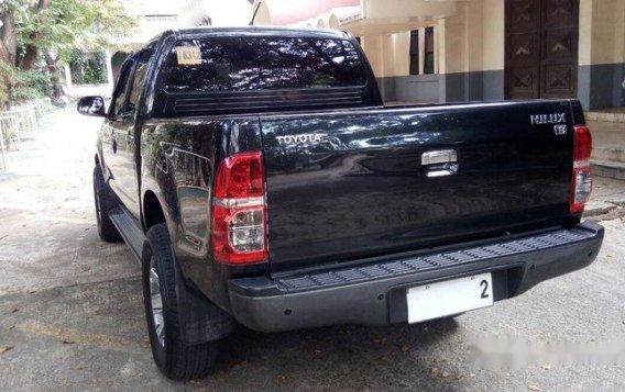 Black Toyota Hilux 2014 for sale in Quezon City -7