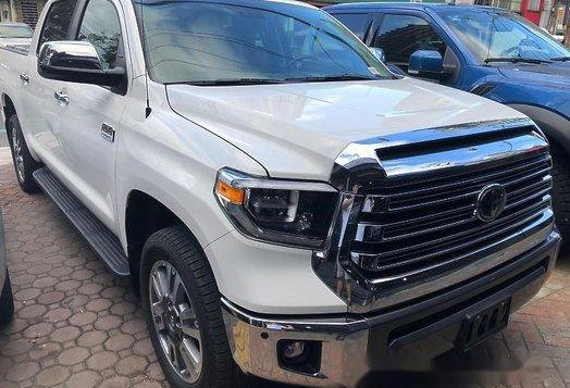 Selling White Toyota Tundra 2020 in Quezon City