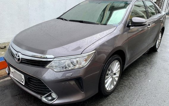 Selling Grey Toyota Camry 2016 in Manila