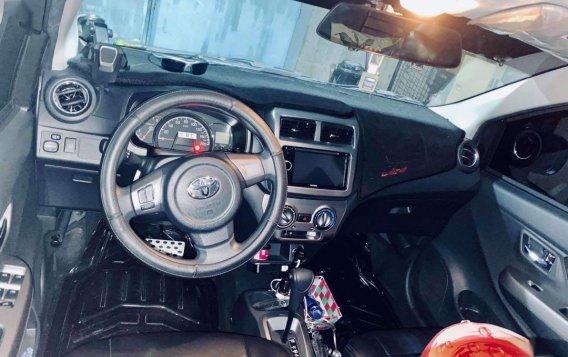 Selling Grey Toyota Wigo 2018 in San Mateo-4