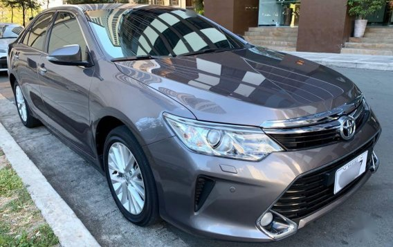 Selling Grey Toyota Camry 2016 in Taguig-1