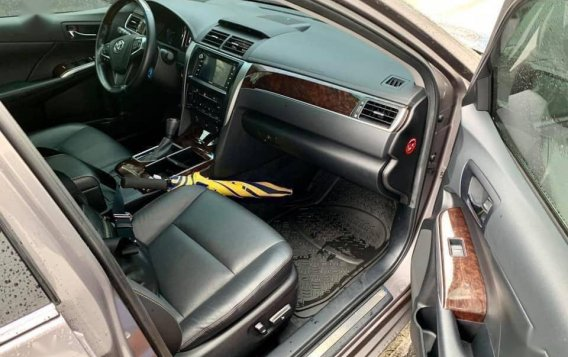 Selling Grey Toyota Camry 2016 in Taguig-5