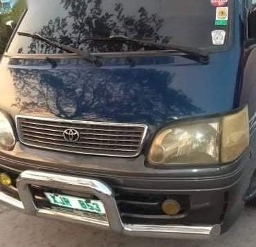 Green Toyota Hiace 2004 for sale in Caloocan City-2