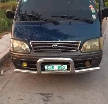 Green Toyota Hiace 2004 for sale in Caloocan City-3