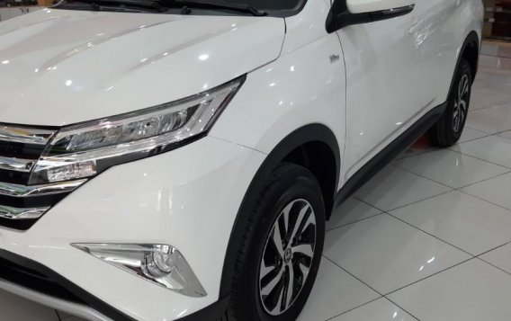 Selling White Toyota Rush 2020 in Paranaque City-1