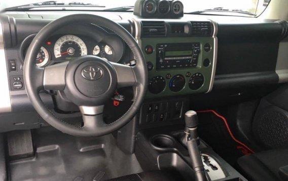 Green Toyota Fj Cruiser 2015 for sale in Quezon City-8