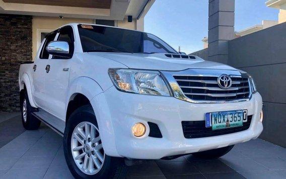 Selling White Toyota Hilux 2014 SUV / MPV in Manila-4