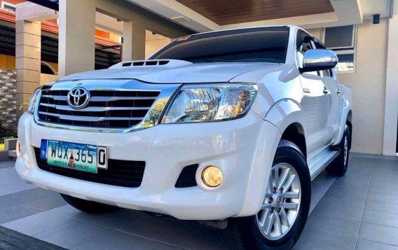 Selling White Toyota Hilux 2014 SUV / MPV in Manila-1