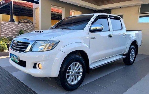 Selling White Toyota Hilux 2014 SUV / MPV in Manila