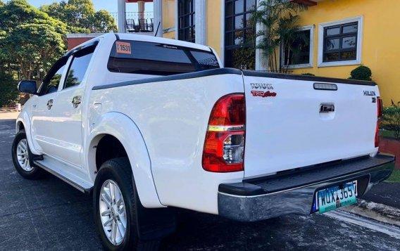 Selling White Toyota Hilux 2014 SUV / MPV in Manila-6