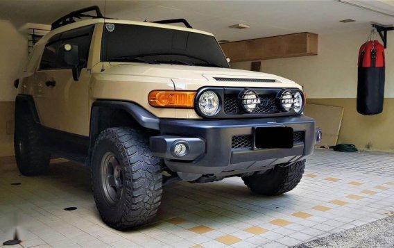 Beige Toyota Fj Cruiser 2015 for sale in Manila-3