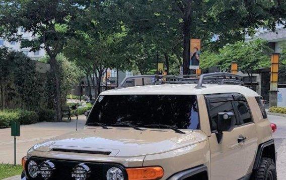 Beige Toyota Fj Cruiser 2015 for sale in Manila-2
