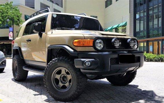 Beige Toyota Fj Cruiser 2015 for sale in Manila-6
