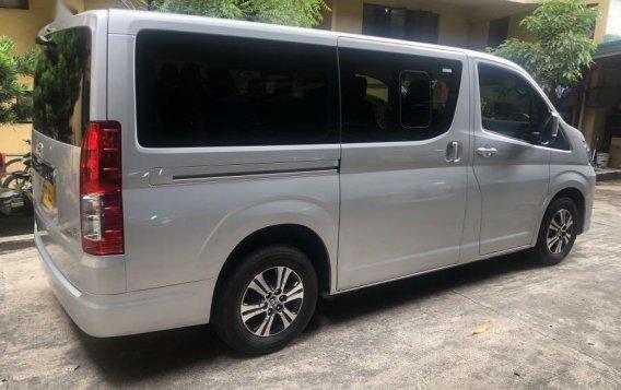 Selling Silver Toyota Grandia in Manila-3