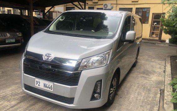 Selling Silver Toyota Grandia in Manila