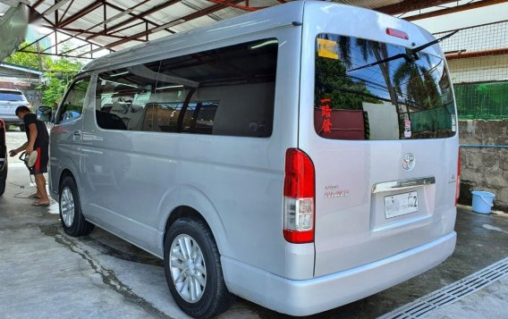 Silver Toyota Grandia for sale in Mandaluyong -1