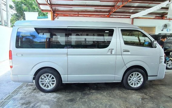 Silver Toyota Grandia for sale in Mandaluyong -2