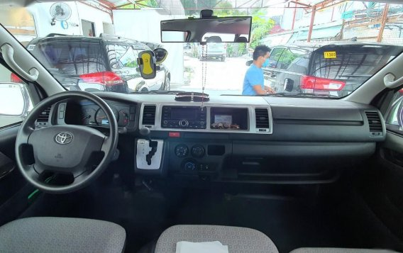 Silver Toyota Grandia for sale in Mandaluyong -4
