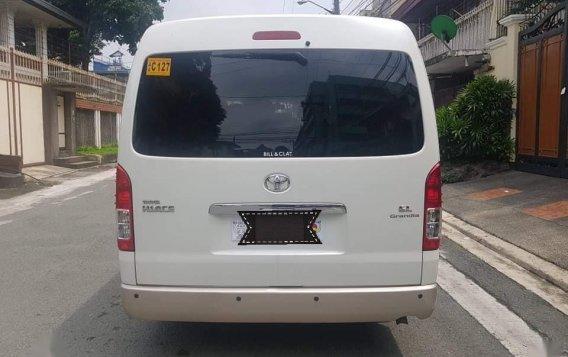 Selling White Toyota Grandia in Quezon City-3