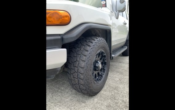 Selling White Toyota Fj Cruiser 2015 in Mandaluyong-9