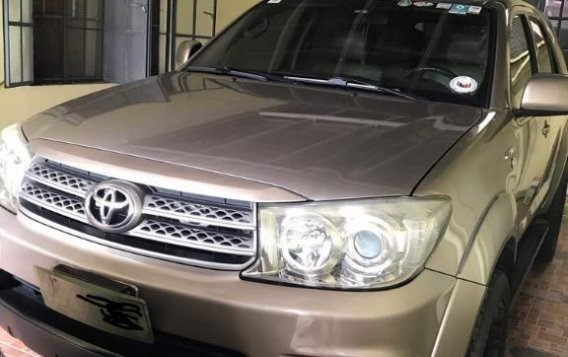 Selling Grey Toyota Fortuner in Muntinlupa