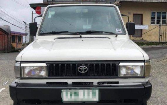 Selling White Toyota tamaraw in Manila
