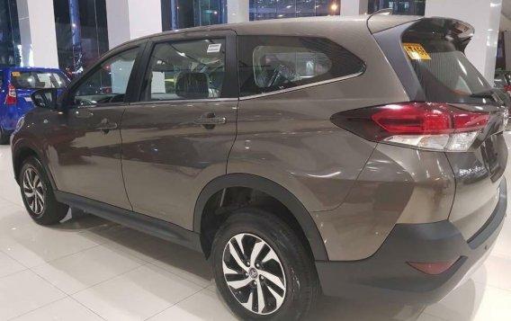 Grey Toyota Rush for sale in Manila-2