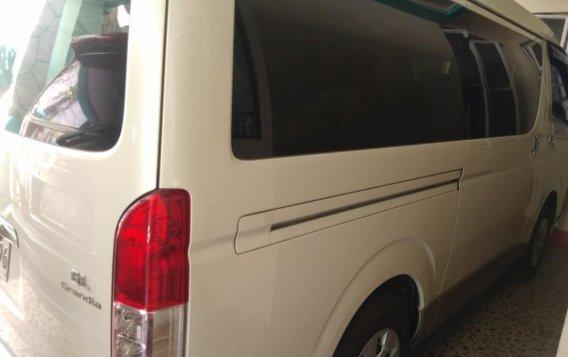 White Toyota Grandia for sale in Valenzuela-9