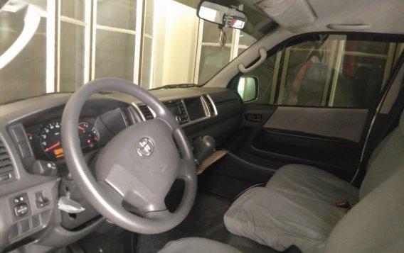 White Toyota Grandia for sale in Valenzuela-5