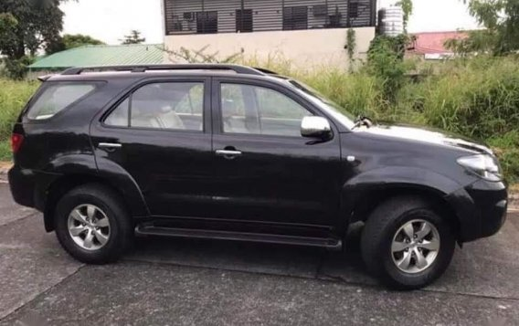 Selling Black Toyota Fortuner 2016 in Parañaque-1