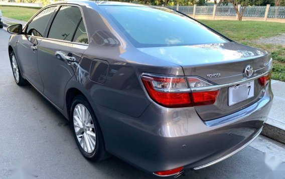 Grey Toyota Camry 2016 for sale in Manila-3